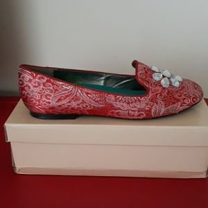 THEME Red and Pink w/Silver Brocade Loafer Sz 9M